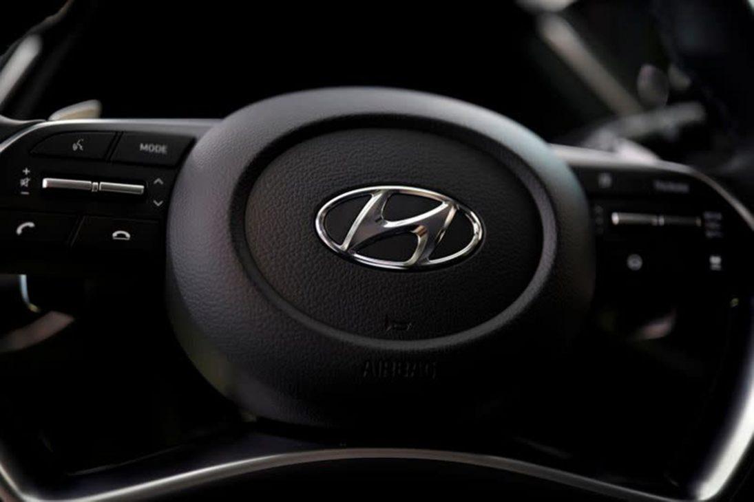 Thiếu chip trầm trọng, nhiều hãng công bố ngừng sản xuất xe tại một số khu vực - 1 13