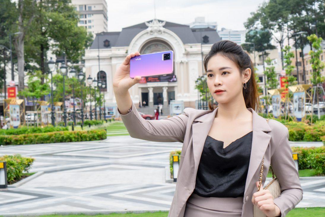 5 smartphone thời trang hấp dẫn chị em - DSC09751