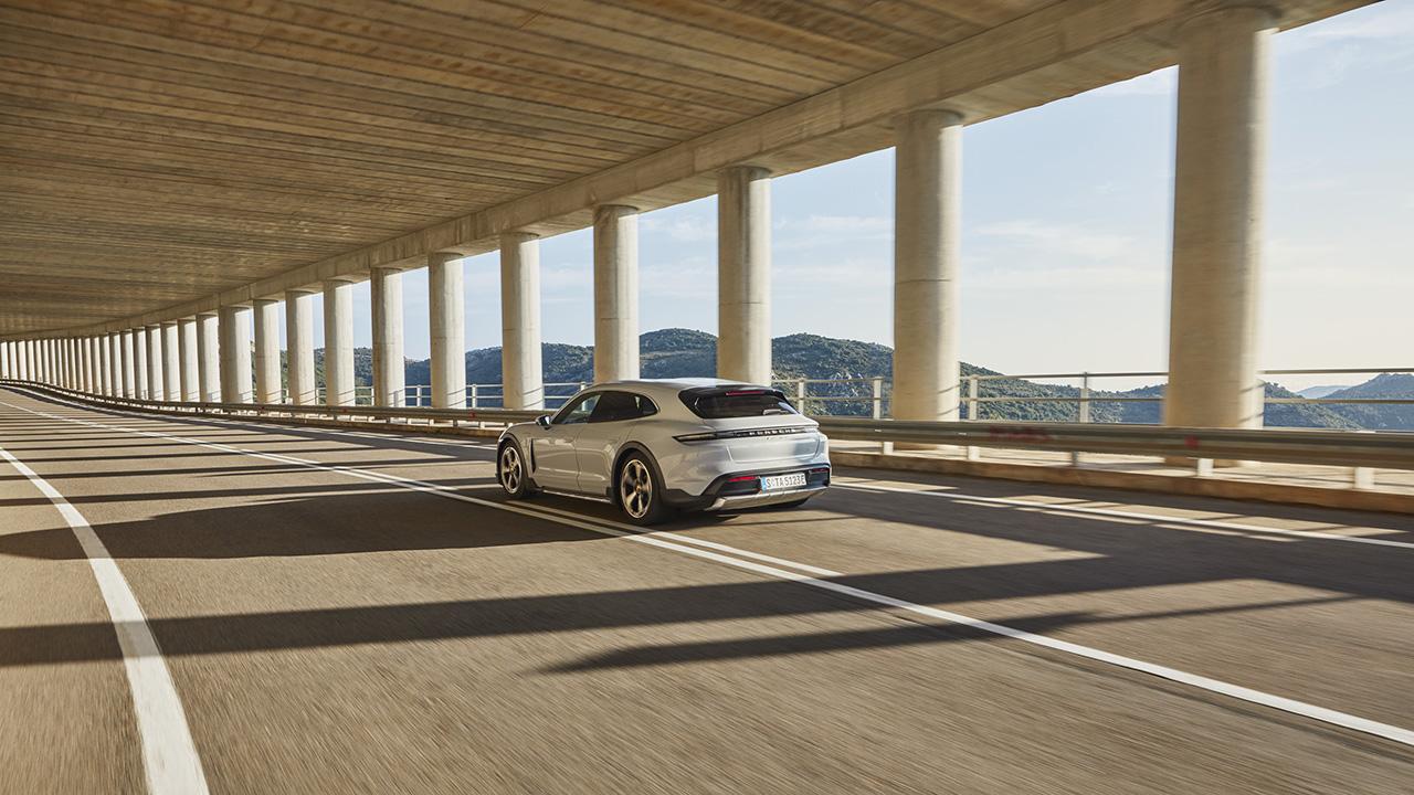 Porsche Taycan Cross Turismo về Việt Nam với 4 phiên bản, giá từ 5 tỉ đồng - P21 0031 a5 rgb