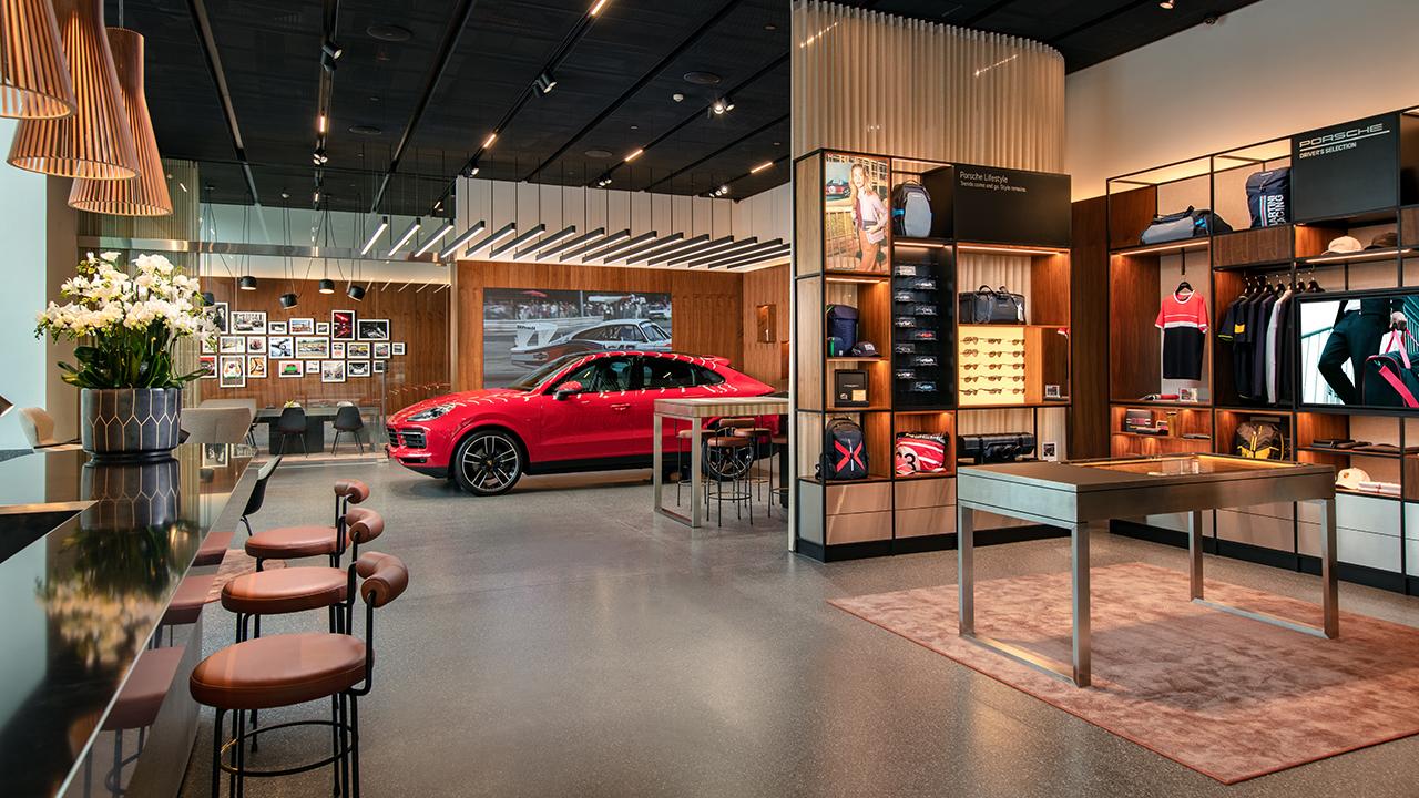Porsche Studio Hà Nội chính thức mở cửa đón khách - PAP21 0034 fine