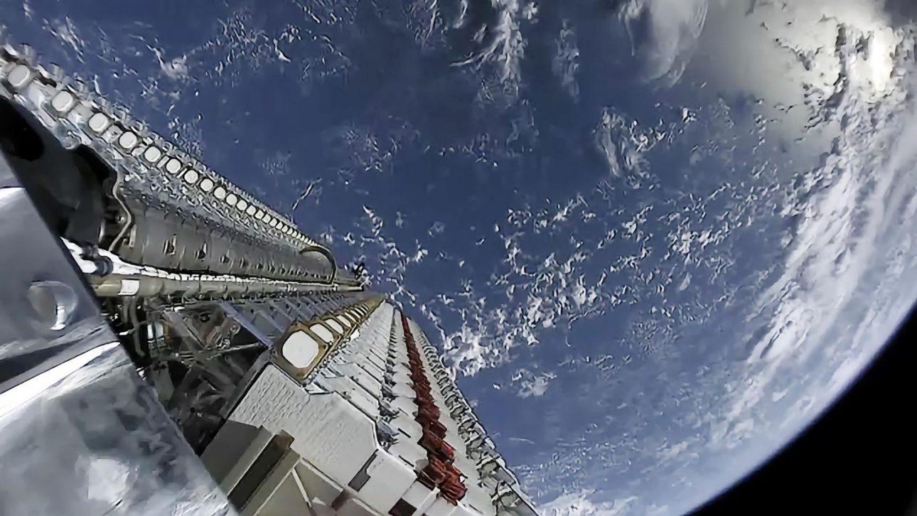 NASA, SpaceX hợp tác để không va vào nhau ngoài không gian - nasa 3