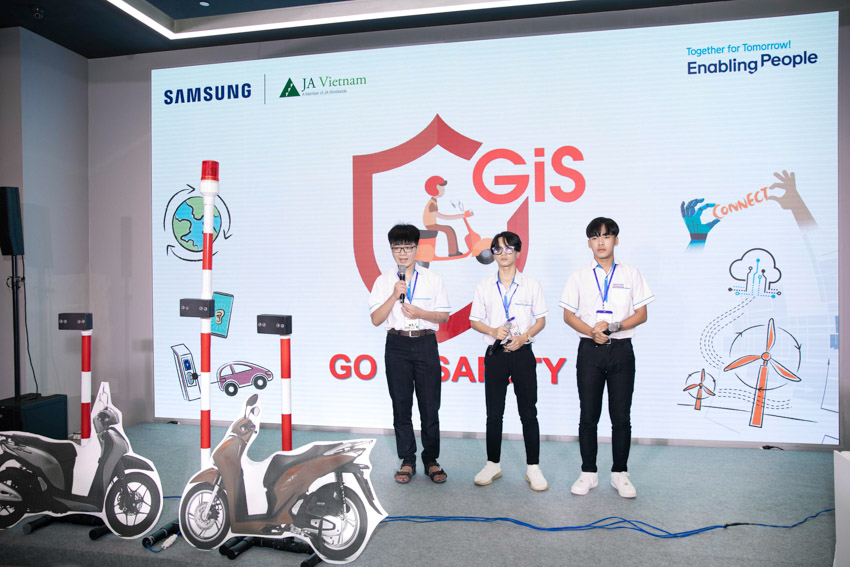 Solve for Tomorrow 2021, nhìn thấy tương lai từ ý tưởng của trẻ em vùng sâu vùng xa - 20201128 doanhnhanplus Samsung Solve For Tomorrow 2020 44