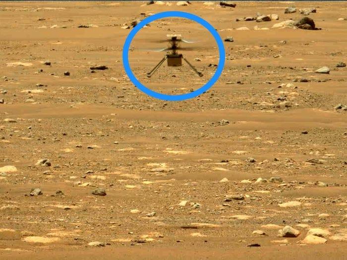 Trực thăng Ingenuity nhỏ của NASA cất cánh lần 2 trên sao Hỏa, thành công bất ngờ - Ingenuity 2 1