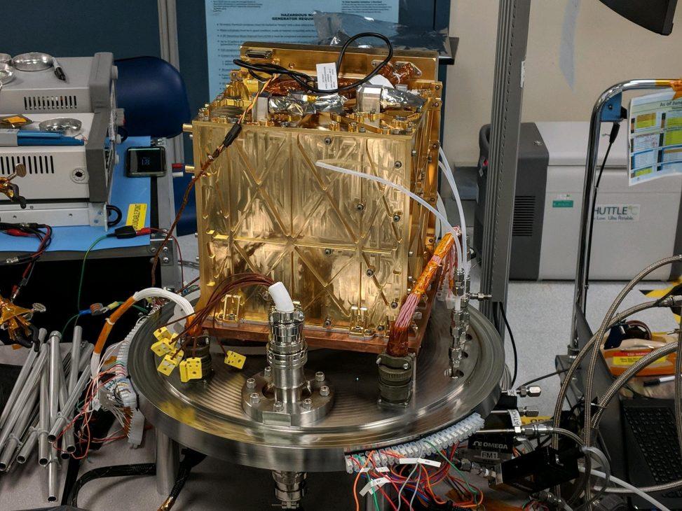NASA sản xuất oxy từ CO2 trên sao Hỏa, cấp nguồn thở cho phi hành gia và tàu thám hiểm - MOXIE 1