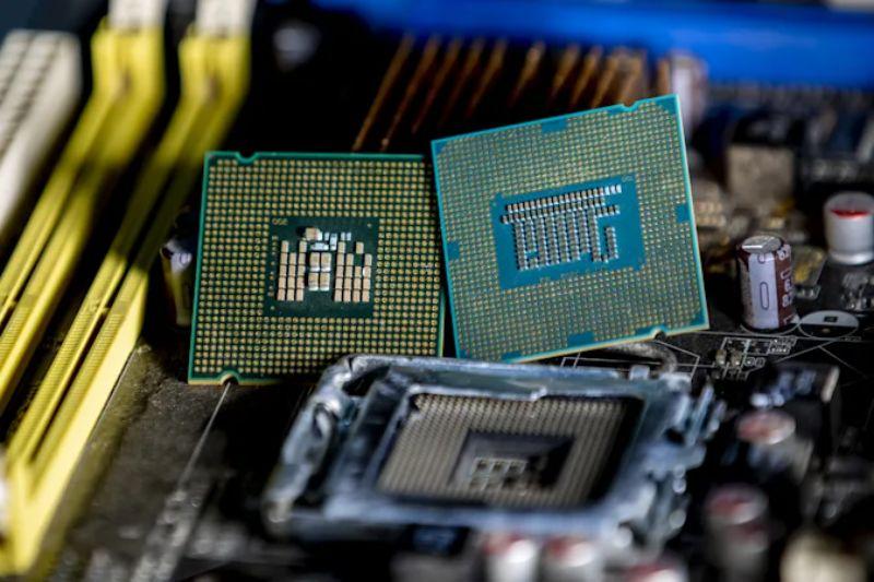 Phát hiện biến thể lỗ hổng  Spectre khét tiếng, ảnh hưởng đến tất cả CPU Intel và AMD - 1 1