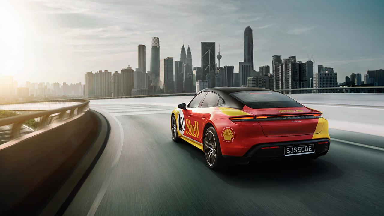Ô tô điện Taycan thu hút nhiều khách hàng mới tại châu Á - Thái Bình Dương - PAP21 0087 fine