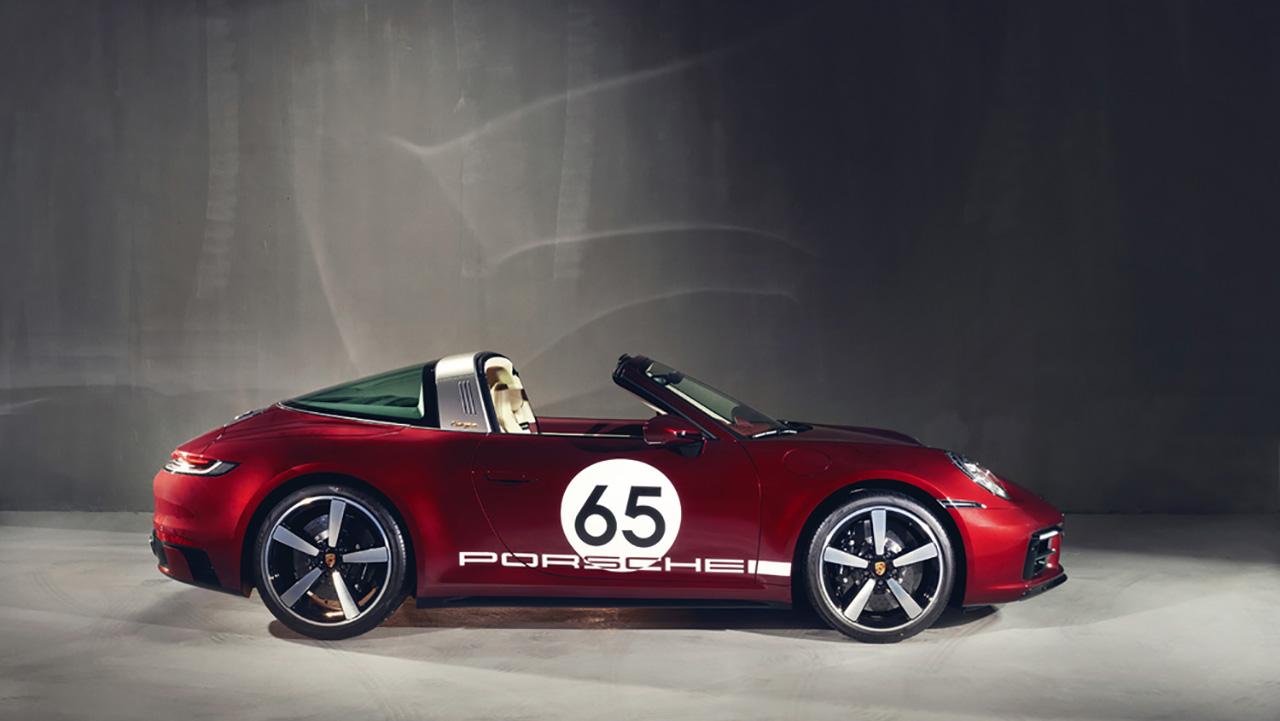 Siêu xe 911 Targa 4S Heritage Design bất ngờ về Việt Nam với giá gần 12 tỉ đồng - PAP21 0124