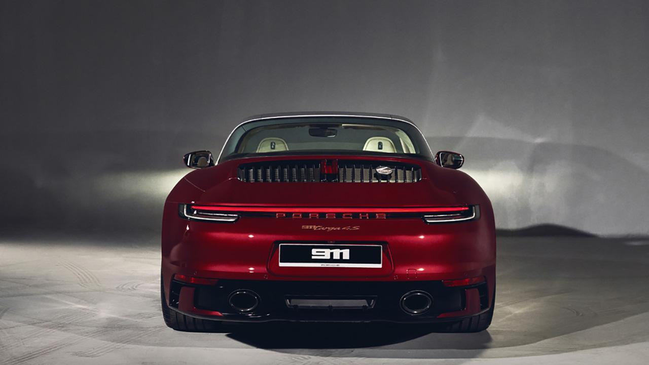 Siêu xe 911 Targa 4S Heritage Design bất ngờ về Việt Nam với giá gần 12 tỉ đồng - PAP21 0125