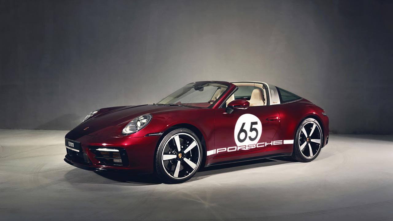 Siêu xe 911 Targa 4S Heritage Design bất ngờ về Việt Nam với giá gần 12 tỉ đồng - PAP21 0126