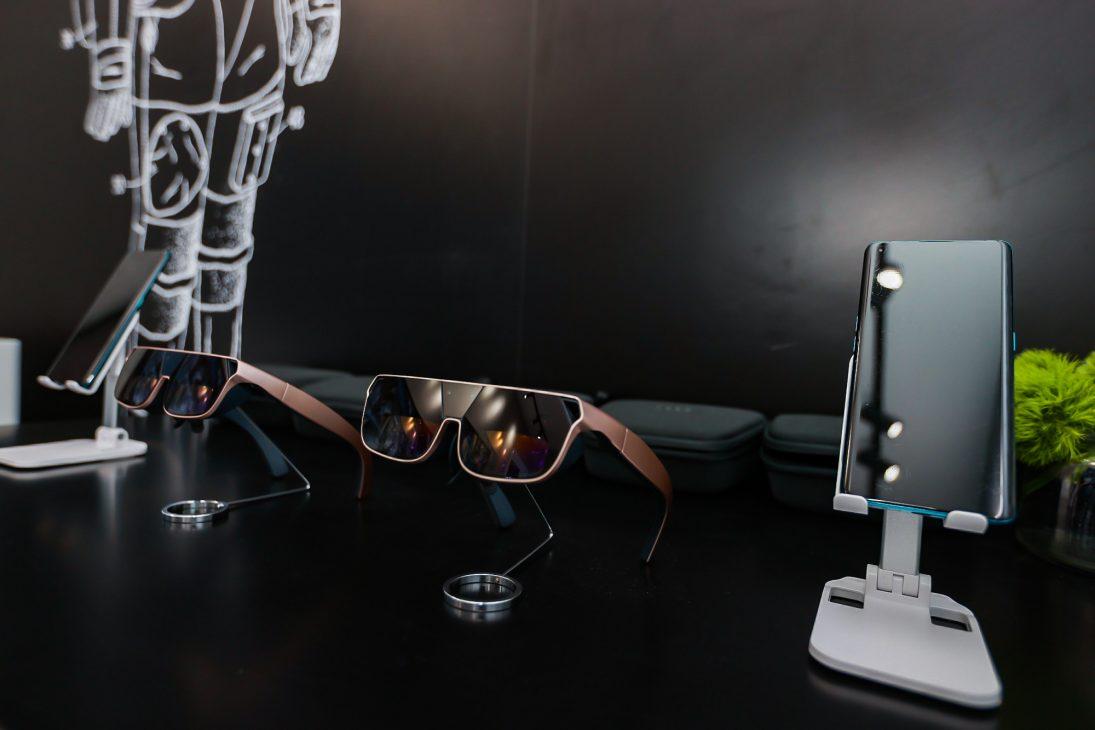 OPPO trình làng sạc nhanh không dây MagVOOC mới và loạt công nghệ kết nối cho xe hơi - 6. OPPO AR glass 2021