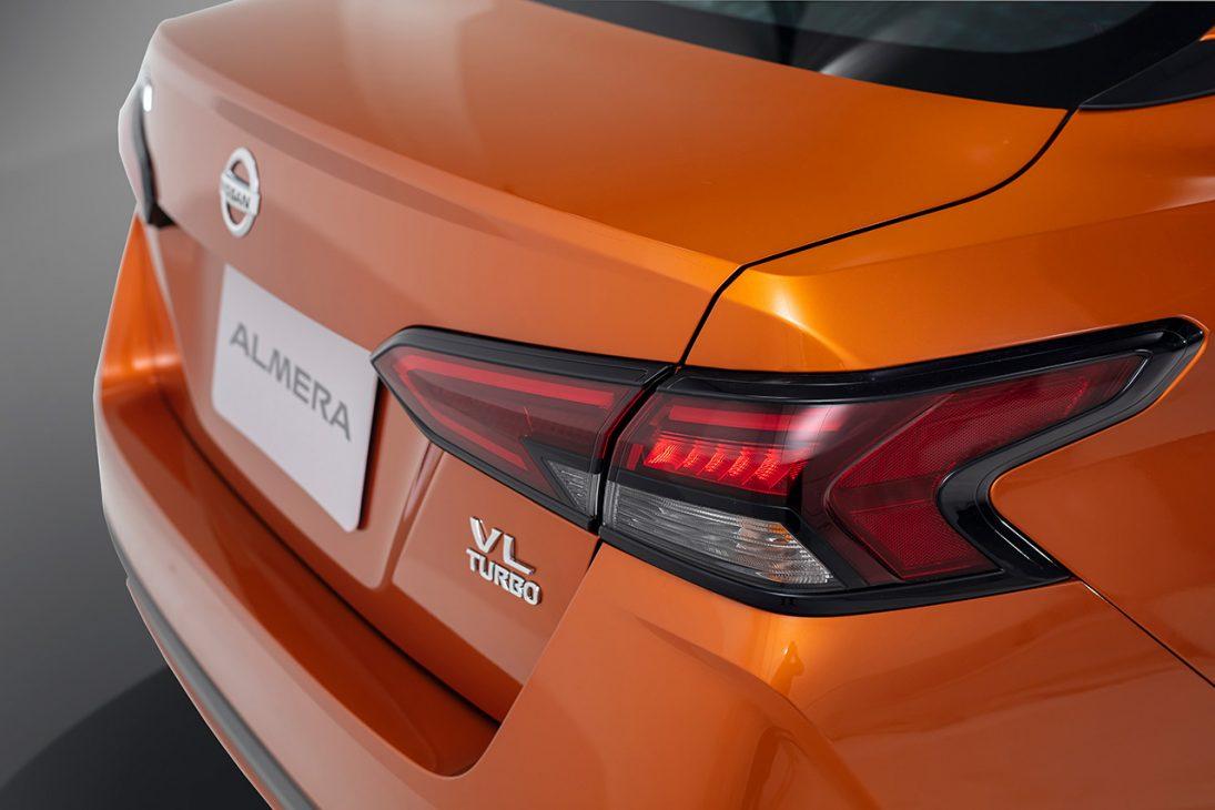 Nissan Almera trang bị công nghệ chuyển động thông minh ra mắt thị trường Việt, giá từ 469 triệu đồng - Chi tiet ngoai that 15