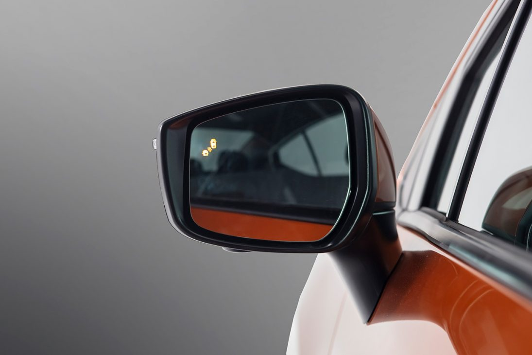 Nissan Almera trang bị công nghệ chuyển động thông minh ra mắt thị trường Việt, giá từ 469 triệu đồng - Chi tiet ngoai that 5
