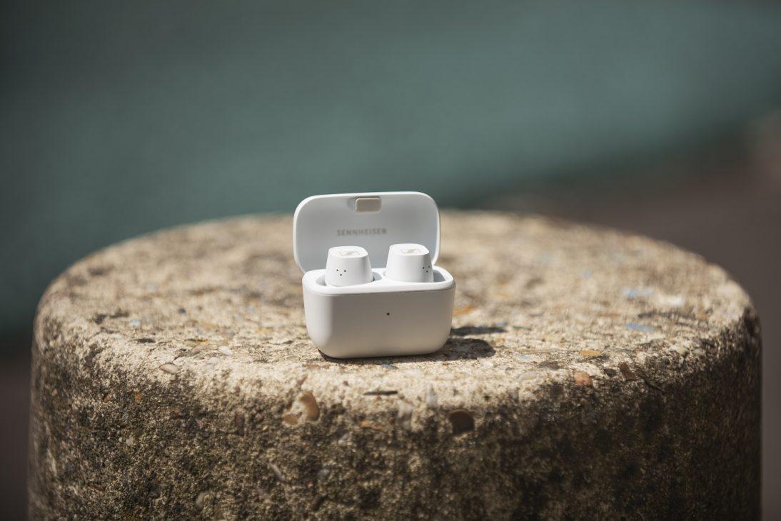 Ra mắt tai nghe Sennheiser CX Plus True Wireless giá phổ thông - CX PLUS TW Mood Image White