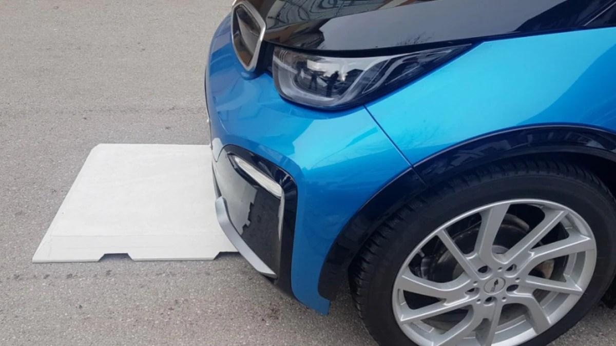 Chỉ cần chạy trên đường, xe điện sẽ tự động được sạc không dây - Magment 3