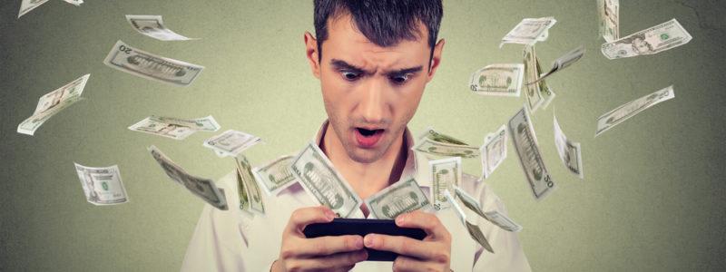 Chuyên gia tài chính nói Facebook và Instagram làm người dùng nghèo đi - social ton tien2