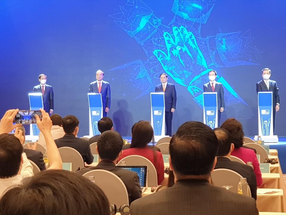 Hội nghị và Triển lãm Thế Giới Số 2021 chính thức khai mạc tại Việt Nam - AnyConv.com  Eb25f2b0fb6c32326b7d
