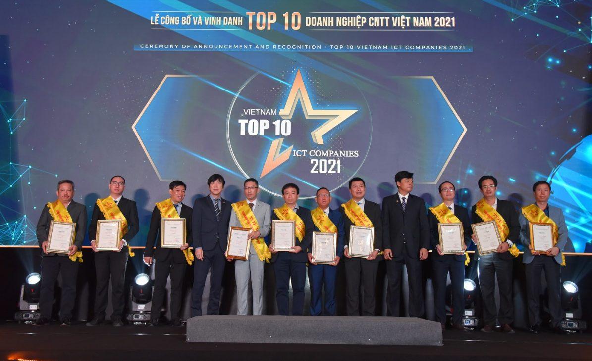 FPT giành 7 giải Top 10 doanh nghiệp CNTT Việt Nam 2021 - FPT 1403